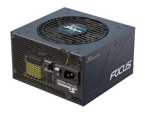 Netzteil FOCUS für einen PC der, der Bildbearbeitung stand hält